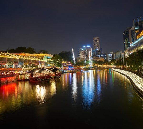 Clarke-Quay-at-Singapore-River-near-Canninghill-Square